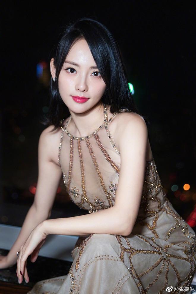 Nhan sắc cùng phong cách ngoài đời thực của 6 nàng Phi tần trong phim Diên hi công lược - Ảnh 25.