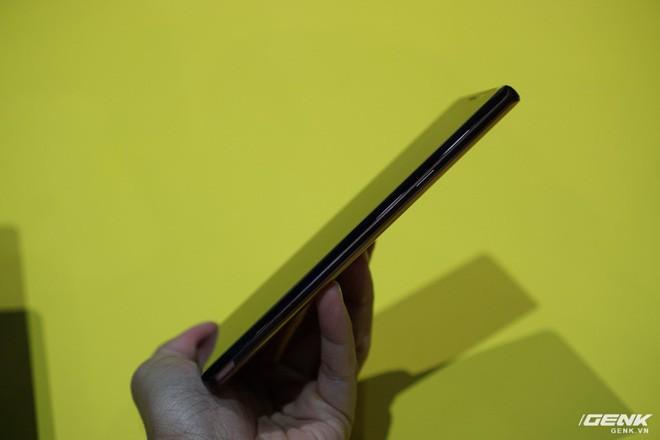 Ảnh thực tế Galaxy Note 9 vừa mới ra mắt: Có những gì đỉnh hơn người tiền nhiệm Note 8? - Ảnh 9.