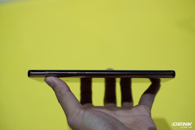 Ảnh thực tế Galaxy Note 9 vừa mới ra mắt: Có những gì đỉnh hơn người tiền nhiệm Note 8? - Ảnh 12.