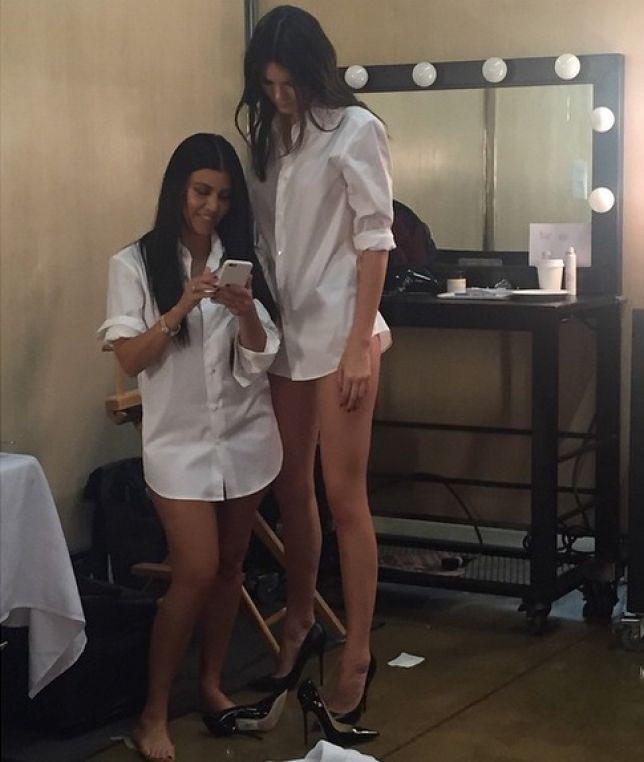 Khoảnh khắc Kendall đi cạnh chị gái cao thước rưỡi gây sốt: Chân dài tới nách là có thật! - ảnh 2