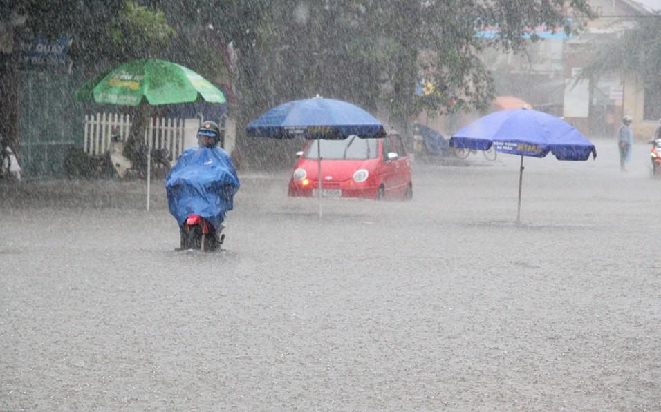 Miền Bắc mưa lớn trên diện rộng, kéo dài đến hết tháng 8
