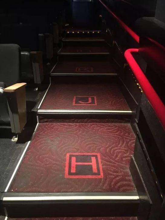 1001 kiểu thốn mà khán giả từng phải trải qua tại rạp chiếu phim - ảnh 4