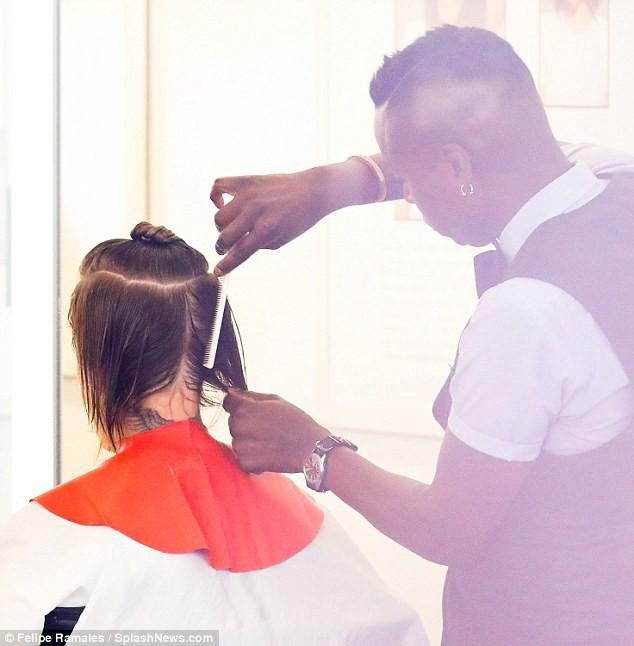 Justin Bieber đã nghe lời Hailey đi cắt tóc, phải chăng đây là lý do anh chàng ôm mặt khóc giữa phố hôm trước đó? - Ảnh 4.
