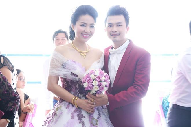Lê Khánh kỉ niệm 16 năm yêu với ông xã trước khi lâm bồn chào đón con đầu lòng - Ảnh 3.