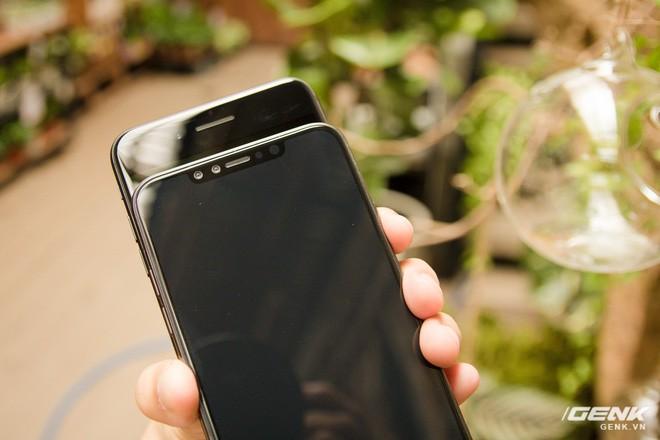 So sánh kích thước iPhone X Plus và iPhone 7 Plus: To bằng nhau, nhưng màn hình iPhone X Plus lớn hơn nhiều - Ảnh 4.