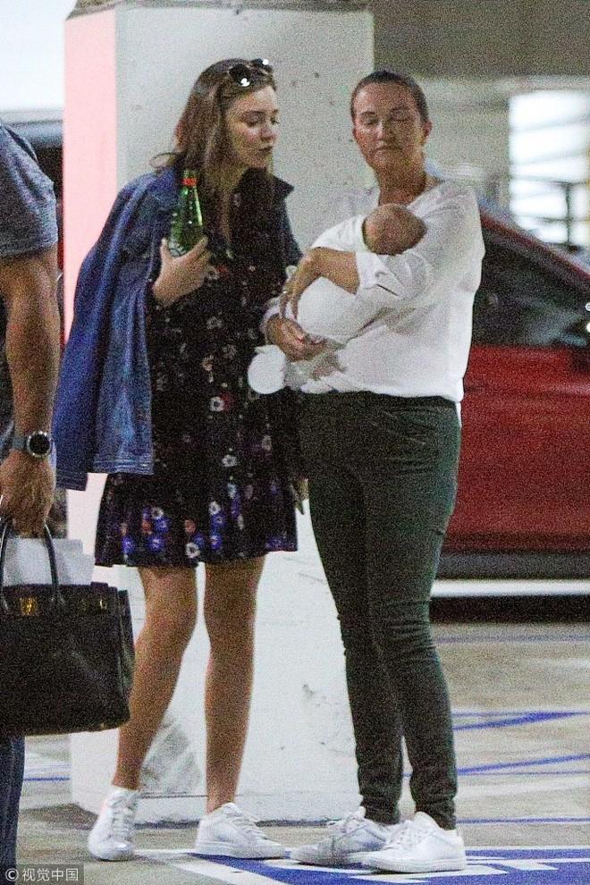 """Khoe nhan sắc và vóc dáng """"đẹp từng milimet"""", ai tin Miranda Kerr chỉ vừa mới sinh con được 3 thángZZZ - ảnh 11"""