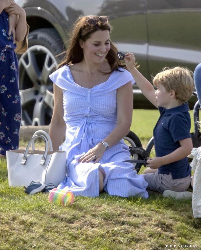 Ẩn sau chiếc đồng hồ mà Kate Middleton thường đeo là bí mật ngọt ngào, liên quan đến cả Công nương Diana - ảnh 3