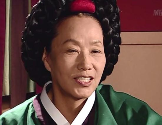 Dàn sao Nàng Dae Jang Geum sau 15 năm: Nữ phụ đổi đời, sao nhí lột xác, Mama Tổng quản ra đi vì ung thư - Ảnh 22.