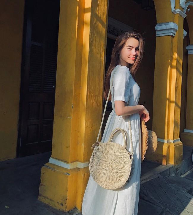 Duyên dáng như Hà Hồ diện váy liền dạo phố đón nắng thu, Zara và H&M cũng gợi ý 10 mẫu váy midi siêu nữ tính dành riêng cho bạn - ảnh 2