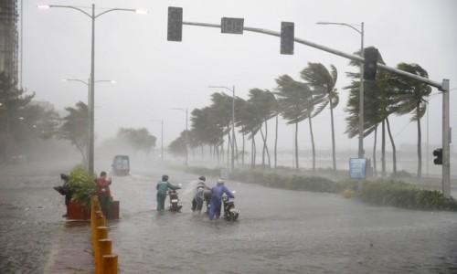 Siêu bão Mangkhut vượt qua Philippines, tiến thẳng miền Nam Trung Quốc - ảnh 1