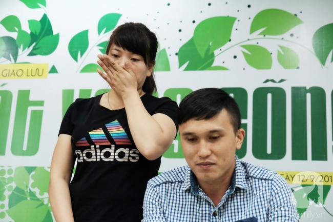 Khao khát làm mẹ cháy bỏng của cô gái Phú Thọ cãi lời cha để vào Nam lấy anh chồng không đi đứng được - ảnh 1
