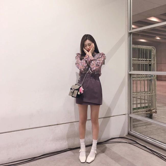 Chưa lạnh hẳn nhưng áo len và cardigan đã rục rịch phủ kín street style Châu Á tuần này - ảnh 5
