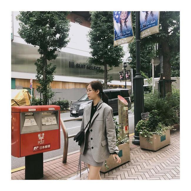 Chưa lạnh hẳn nhưng áo len và cardigan đã rục rịch phủ kín street style Châu Á tuần này - ảnh 9