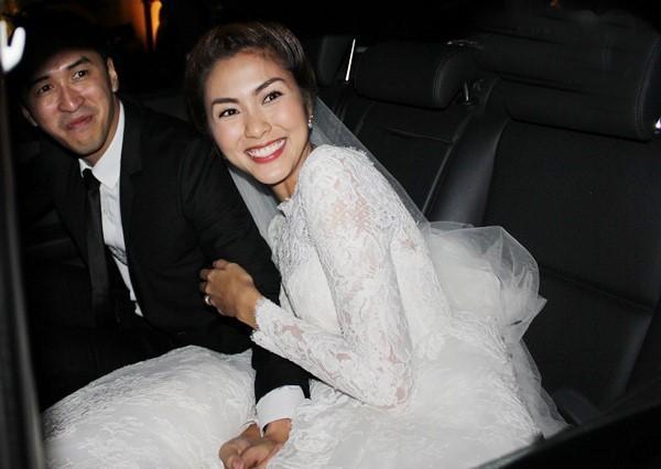 Những đám cưới được thắt chặt an ninh nhất Vbiz: bảo vệ phong tỏa mọi nơi, huy động cả ô đen để che chắn - ảnh 5
