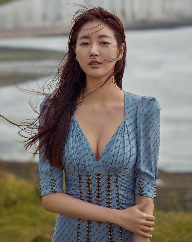 Hoa hậu Hàn U40 gây choáng vì mặt xinh body nuột đến từng milimet, netizen còn tưởng là idol 20 tuổi - Ảnh 3.