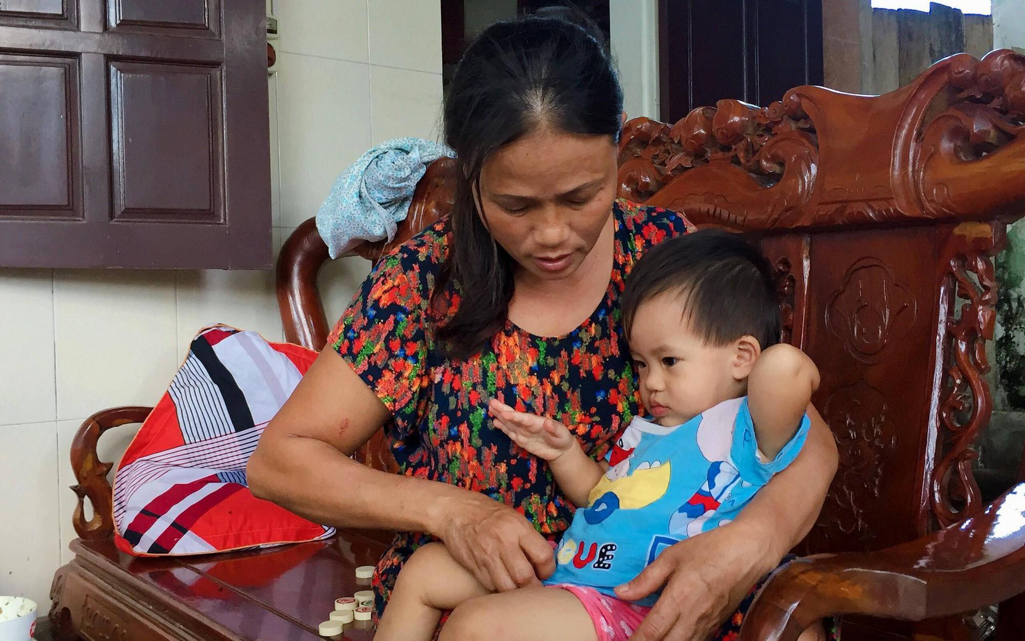 Vụ cả nhà nghi bị ngộ độc khi đi du lịch Đà Nẵng: