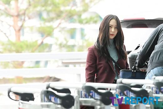 Chị em sang chảnh nhất xứ Hàn đụng độ Red Velvet: Jessica trông như bà hoàng, Krystal đẹp đè bẹp đàn em - ảnh 1