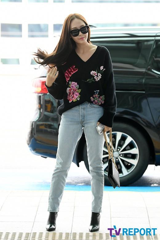 Chị em sang chảnh nhất xứ Hàn đụng độ Red Velvet: Jessica trông như bà hoàng, Krystal đẹp đè bẹp đàn em - ảnh 9