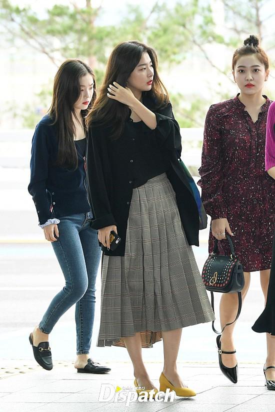 Chị em sang chảnh nhất xứ Hàn đụng độ Red Velvet: Jessica trông như bà hoàng, Krystal đẹp đè bẹp đàn em - ảnh 17