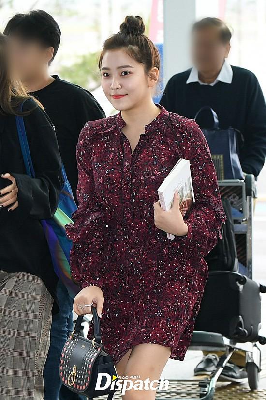 Chị em sang chảnh nhất xứ Hàn đụng độ Red Velvet: Jessica trông như bà hoàng, Krystal đẹp đè bẹp đàn em - ảnh 16