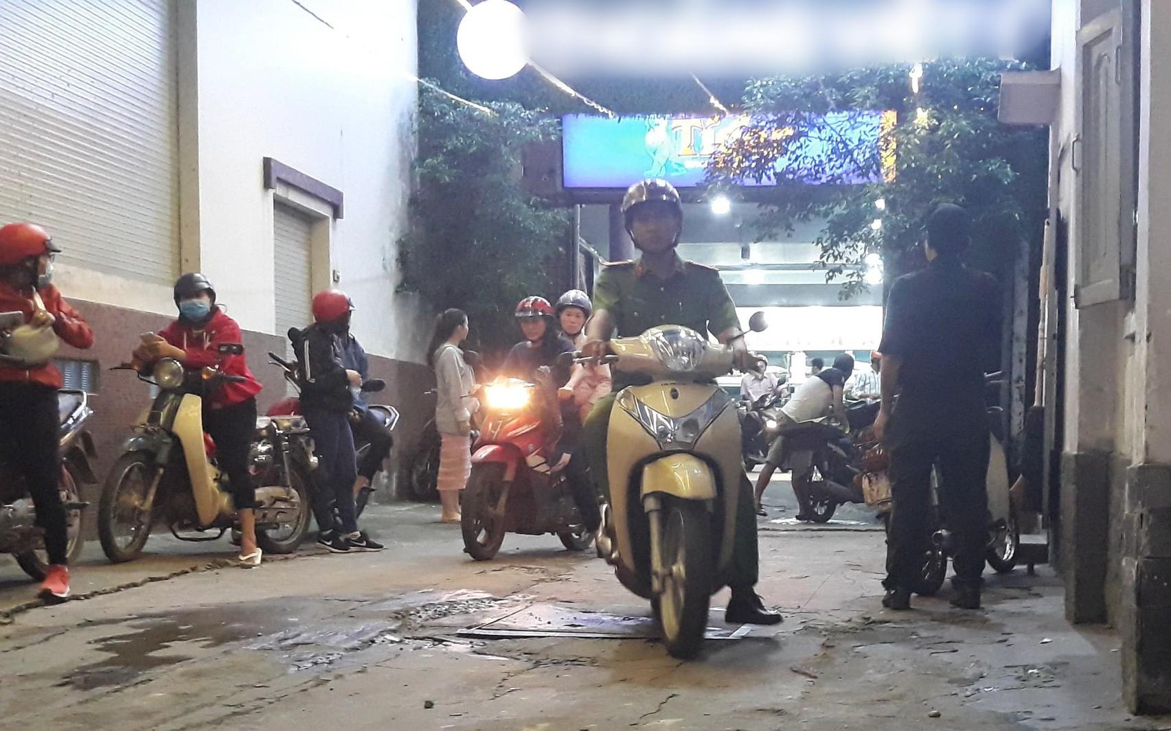 Nam thanh niên 18 tuổi mắc kẹt, tử vong trong thang máy tại nhà hàng ở Sài Gòn