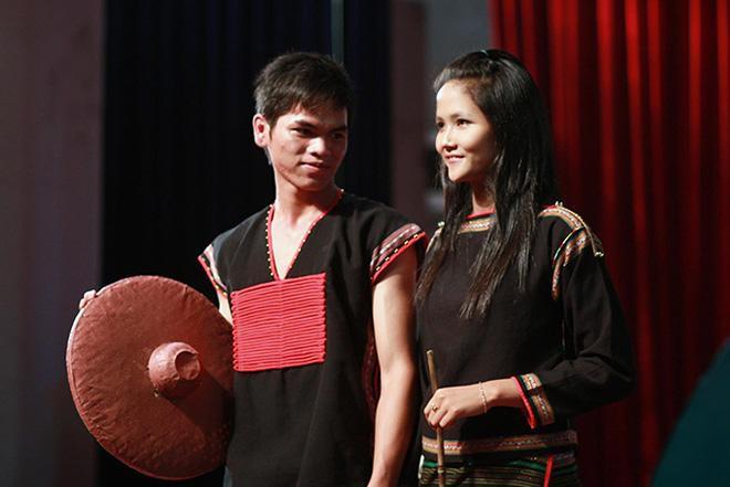 Lộ hình ảnh hiếm của HHen Niê năm 19 tuổi: Cực dễ thương và giản dị! - Ảnh 2.