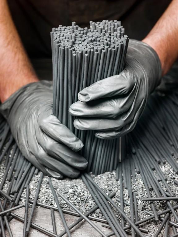 Đột nhập một trong những nhà máy sản xuất lõi bút chì cuối cùng của Mỹ, tất cả thực sự rất tuyệt vời - ảnh 1
