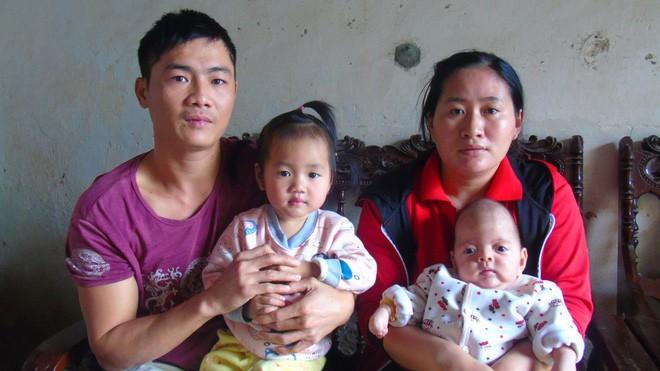 Con mới sinh đã mắc căn bệnh hiếm gặp ngặt nghèo, bố mẹ suốt ngày thay nhau bế vì con nằm xuống là tắt thở - ảnh 3