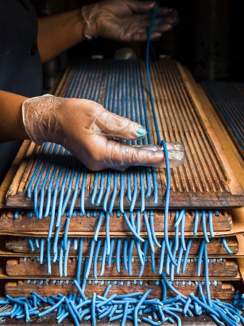 Đột nhập một trong những nhà máy sản xuất lõi bút chì cuối cùng của Mỹ, tất cả thực sự rất tuyệt vời - ảnh 5
