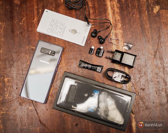 Trên tay Galaxy Note 8 Tím khói mộng mơ: Đẹp không tì vết, đổi màu theo ánh sáng - Ảnh 3.