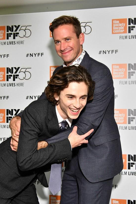 Vẻ đẹp chuẩn cường công mỹ thụ của cặp sao Call Me By Your Name - bộ phim đồng tính hot nhất hiện nay - Ảnh 30.