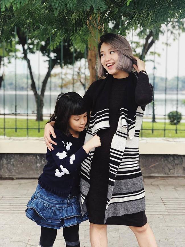 Đúng là cựu hot girl đời đầu, vác bụng bầu xuống phố mà Mi Vân vẫn xinh đẹp nức lòng như thế này - Ảnh 4.