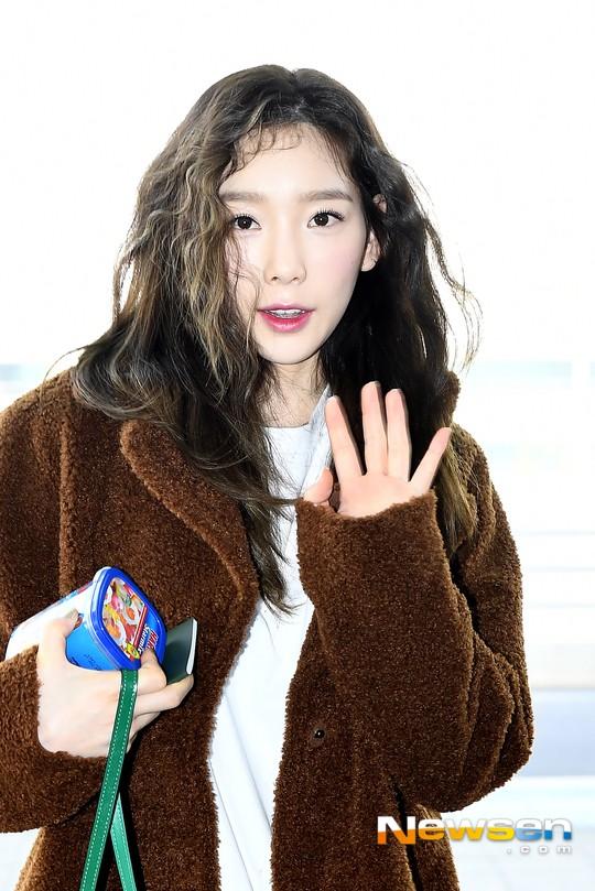 Nữ thần Irene đẹp xuất thần nhưng spotlight lại thuộc về Taeyeon chân dài khó tin và Dara đẹp đỉnh cao - Ảnh 11.