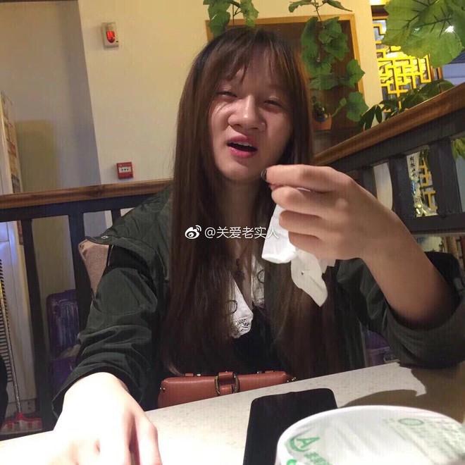 Chàng trai chết đứng khi nhìn thấy bạn gái qua mạng ngoài đời, tiết lộ suýt bị lừa mất iPhone X - Ảnh 3.