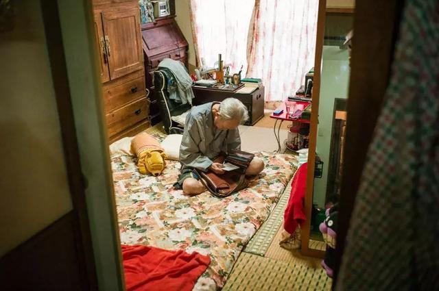 3 năm, 33 bức ảnh, nhiếp ảnh gia ghi lại quá trình trước khi cha từ giã cõi đời vì ung thư: Đừng để người thân một mình chống chọi - ảnh 18