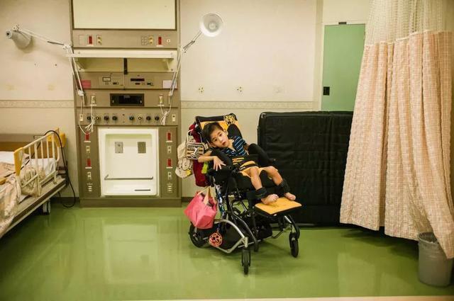 3 năm, 33 bức ảnh, nhiếp ảnh gia ghi lại quá trình trước khi cha từ giã cõi đời vì ung thư: Đừng để người thân một mình chống chọi - ảnh 28