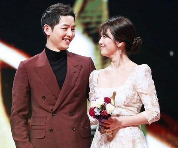 Muôn kiểu phim giả tình thật trên màn ảnh Hàn, kẻ mặt dày cầm cưa, người tranh thủ cưới lẹ - Ảnh 3.