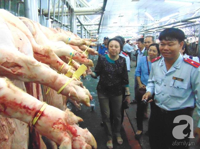 TP.HCM: Gần một tấn heo lở mồm long móng bị tuồn vào chợ đầu mối tiêu thụ Tết - ảnh 2