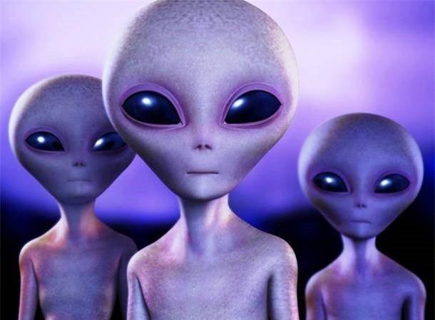Hoa hậu Hương Giang thật giống người ngoài hành tinh trong bức ảnh mới nhất - Ảnh 3.