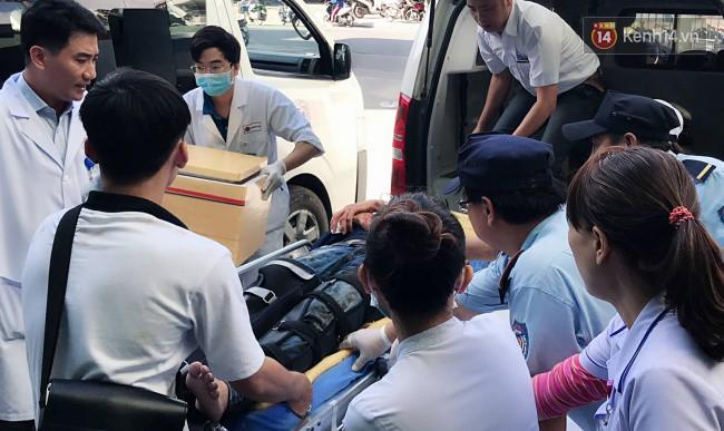Cánh tay đứt lìa của nữ sinh trong vụ tai nạn xe khách trên đèo Hải Vân đã được nối lại thành công - Ảnh 1.