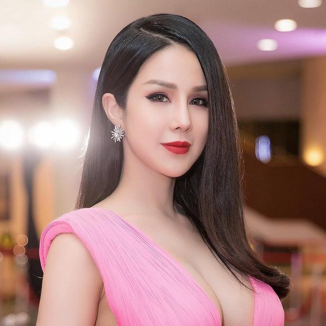 Diệp Lâm Anh vui vì thoát kiếp móng tay dùi cui điện, netizen lại chê không thương tiếc - Ảnh 1.