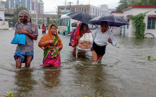 Số người thiệt mạng tại Ấn Độ do mưa lũ lên tới gần 140 người - ảnh 1