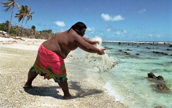 Bí mật về Nauru: Quốc gia béo nhất thế giới từng có thời lấy USD làm giấy... vệ sinh - ảnh 1