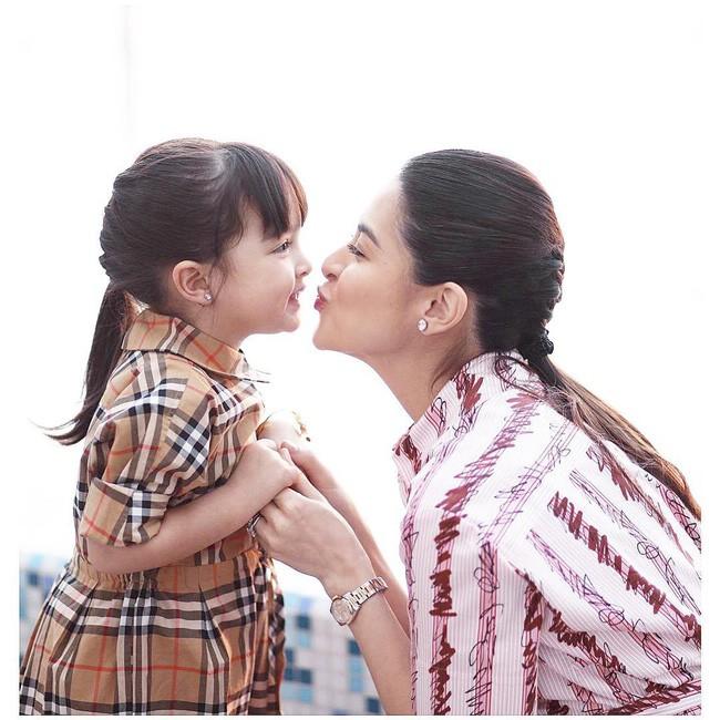 Vẫn biết con gái mỹ nhân đẹp nhất Philippines xinh như thiên thần nhưng không ngờ sự thay đổi từ bé đến lớn lại nhiều thế này - ảnh 4