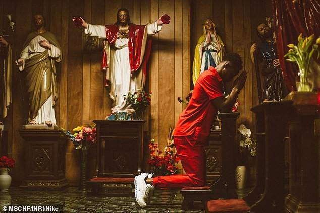 Nike tung mẫu giày được quảng cáo có chứa Nước Thánh với giá 70 triệu/đôi và bán hết veo chỉ trong vài phút - ảnh 10