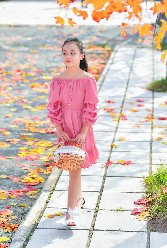 Diễn viên nhí xinh xắn trong Hoa hồng trên ngực trái: Mới 10 tuổi đã góp mặt trong nhiều phim đình đám! - ảnh 3
