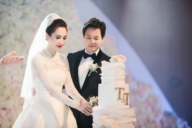 Hồi hộp chờ hôn lễ Đông Nhi - Ông Cao Thắng, điểm lại 5 đám cưới xa hoa nhất Vbiz: Toàn đầu tư tiền tỷ, an ninh thắt chặt tuyệt đối  - Ảnh 9.