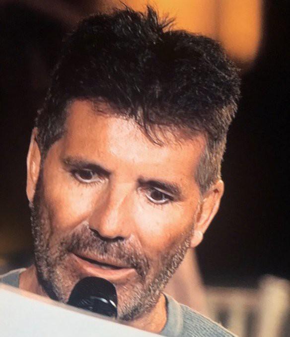 Netizen choáng nặng trước hình ảnh gầy rộc, già nua của vị giám khảo bá đạo nhất American Idol: Vì đâu ra nông nỗi này? - Ảnh 2.