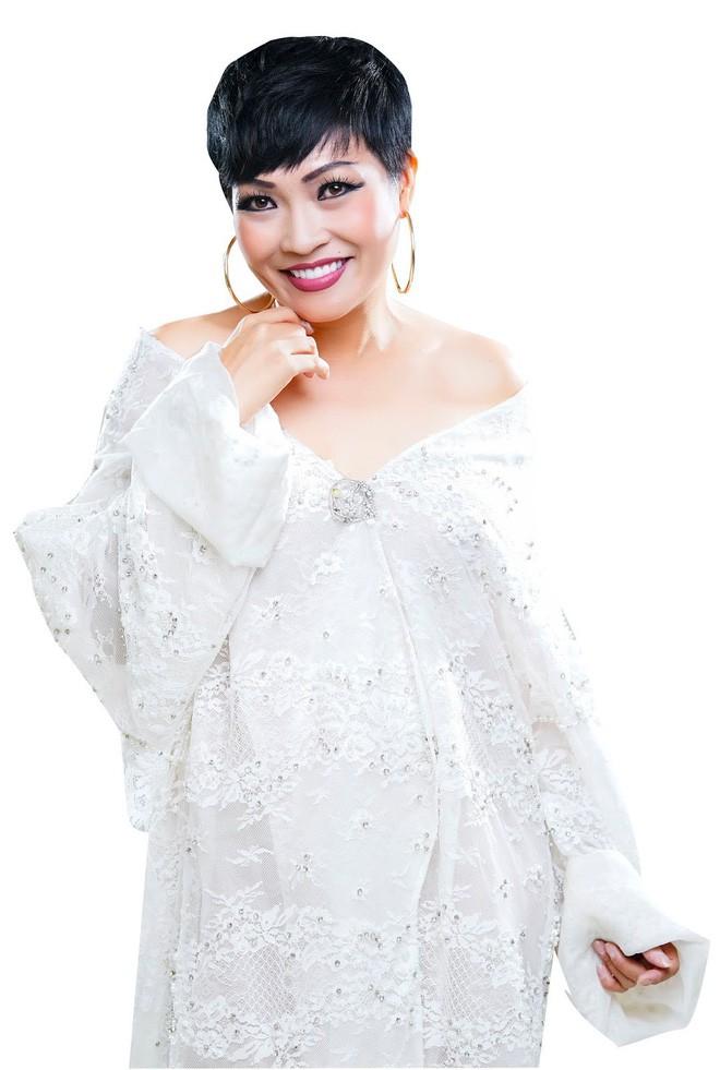 Phương Thanh phân bì phải đứng trên Hà Hồ, Mỹ Tâm, đạo diễn Việt Tú chỉ rõ cách phân mâm chuẩn trên poster trong Vbiz - ảnh 1