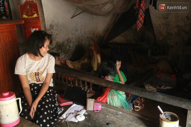 """Xót xa cụ bà 75 tuổi nuôi cả gia đình bị tâm thần và thiểu năng trí tuệ ở Vĩnh Phúc: """"Tôi khuất núi không biết các cháu sẽ ra sao"""" - ảnh 3"""
